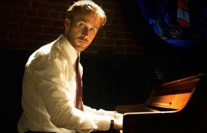 O personagem de Ryan Gosling sonha em ter um clube noturno em homenagem ao jazz.